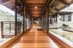 Hallway-to-main-bedroom