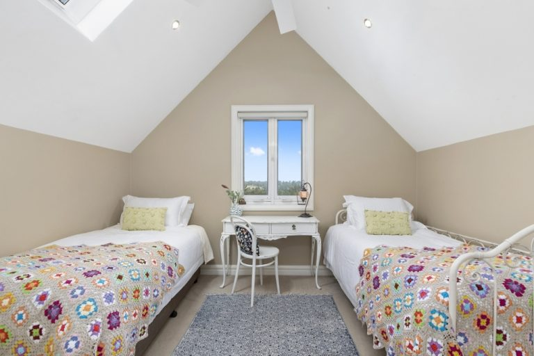 Manor-Bedroom-Singles.jpg