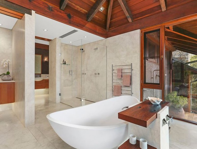Master-Bedroom-Bathroom.jpg